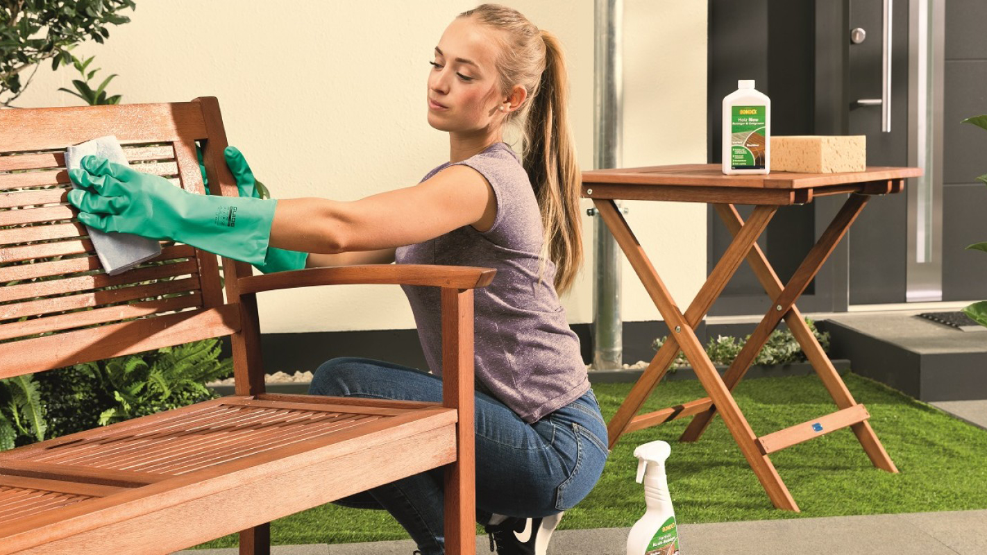 Kerti bútoraink ápolása –  tippek és trükkök a tartósság érdekében